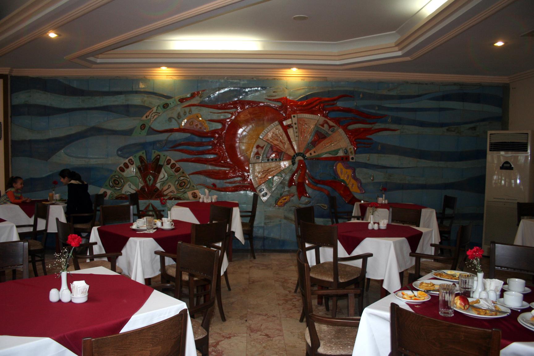 Belvil Hotel – Restaurant Seramik Pano
